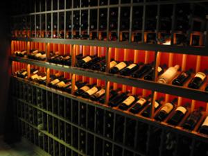 Hobaica-Wine-Cellar-Epicurean-side-rope-lighting